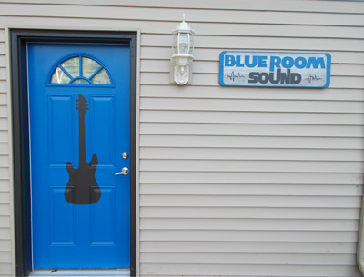 blue-room-sound-front